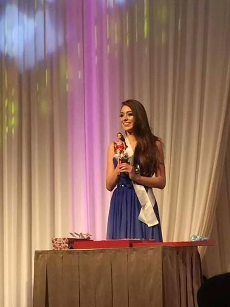 Hoa hậu Đặng Thu Thảo điệu đà áo dài sen nón lá 3 tầng thi năng khiếu ảnh 5