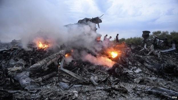 Các nhà điều tra cho rằng, máy bay có thể bị tên lửa đất đối không bắn hạ