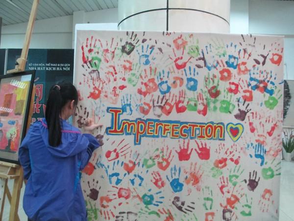 """""""Những mảnh ghép"""" gây quỹ vì trẻ em khuyết tật ảnh 1"""