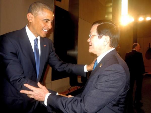 Chủ tịch nước Trương Tấn Sang tiếp xúc Tổng thống Mỹ B.Obama tại Hội nghị Apec ở Bắc Kinh, Trung Quốc