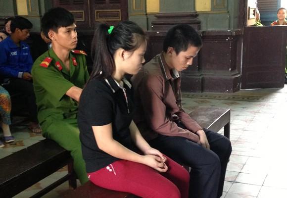 Các bị cáo Tâm và Châu tại tòa
