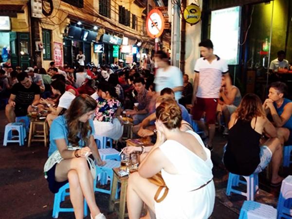 Theo Bộ Công Thương, dán tem bia sẽ giúp bảo vệ người tiêu dùng