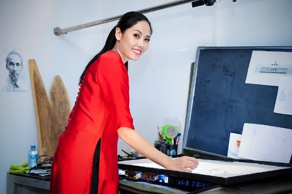 Nguyễn Thị Loan học vẽ tranh cát thi tài năng Miss world ảnh 9