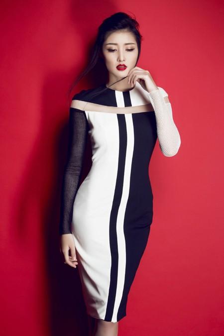 Hoa hậu Triệu Thị Hà gợi cảm với thời trang cut-out ảnh 3