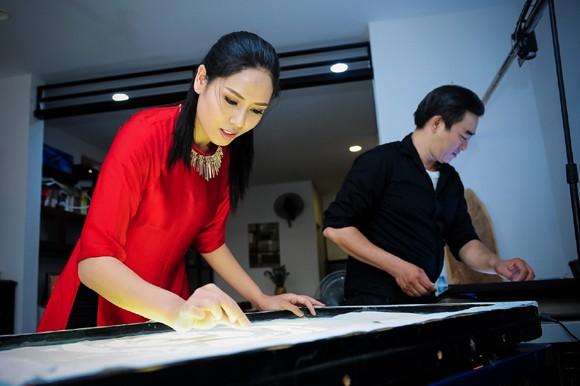Nguyễn Thị Loan học vẽ tranh cát thi tài năng Miss world ảnh 6