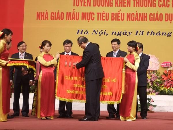 Trao tặng Sở GD-ĐT Hà Nội Huân chương Độc lập hạng Nhất ảnh 1