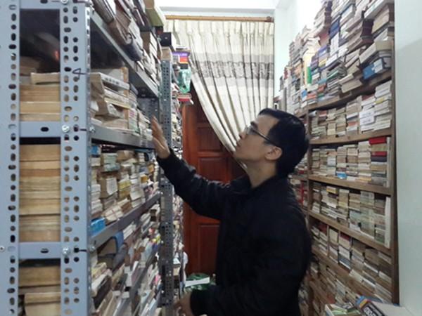 Chàng trai 8X và kho sách cũ khổng lồ ảnh 1