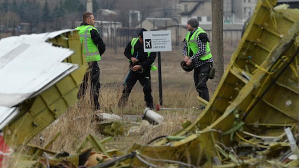 Có ít nhất một máy bay lạ xuất hiện gần MH17 trước khi bị rơi ảnh 1