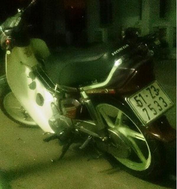 Xe gắn máy Tú dùng để chở thùng phuy chứa thi thể nạn nhân đi phi tang
