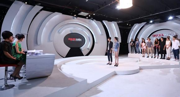 """""""Đột nhập"""" phòng đánh giá và loại """"ngoài vũ trụ"""" của Vietnam's Next Top Model ảnh 11"""