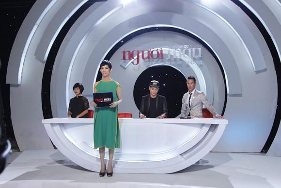 """""""Đột nhập"""" phòng đánh giá và loại """"ngoài vũ trụ"""" của Vietnam's Next Top Model"""