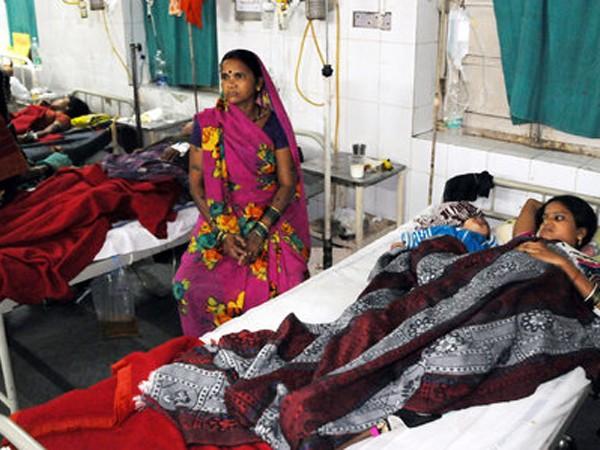 Hàng chục phụ nữ đang phải điều trị sau khi triệt sản, nhiều người nguy kịch