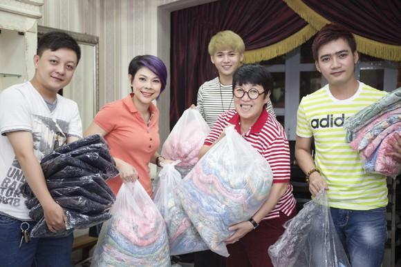 Thanh Thảo trích tiền bán album mua quà cho người nghèo trước khi đi lưu diễn ảnh 4