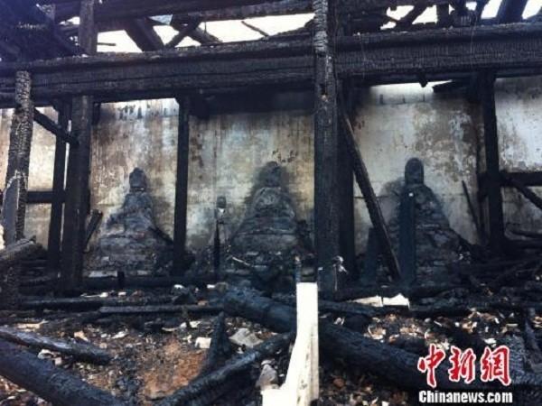 Trung Quốc: Ngôi miếu cổ bị thiêu trụi hoàn toàn ảnh 5