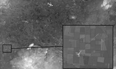 Hình ảnh mới công bố của Nga cho thấy một chiến đấu cơ đã bắn hạ máy bay MH17