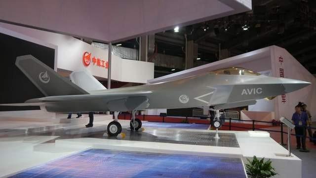 Mô hình tiêm kích tàng hình FC-31 tại triển lãm Chu Hải Airshow China 2014