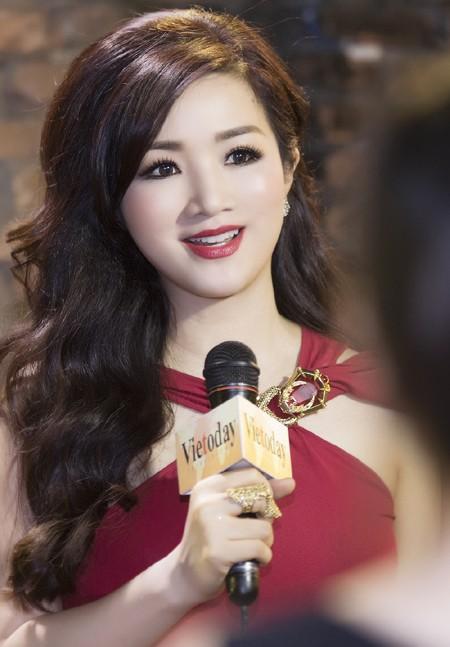 Hoa hậu Giáng My quyến rũ trong đêm nhạc gây quỹ từ thiện ảnh 5
