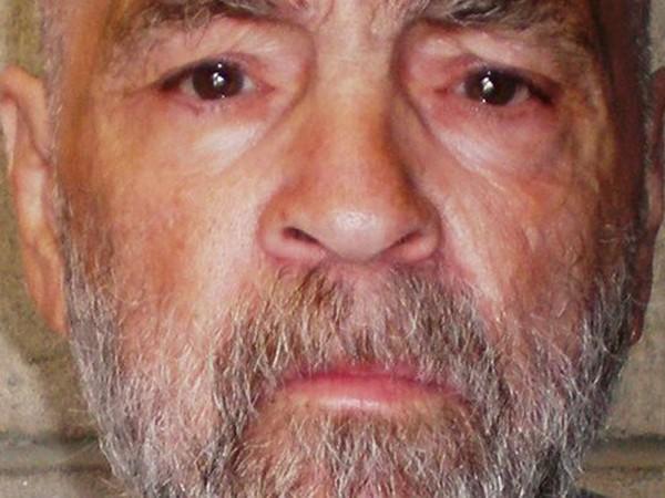 Thoát án tử hình trong quá khứ, Manson lại gặp vận may khi được phép...cưới vợ