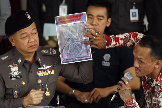 Cảnh sát đang điều tra các bộ phận tìm thấy trong các gói bưu kiện