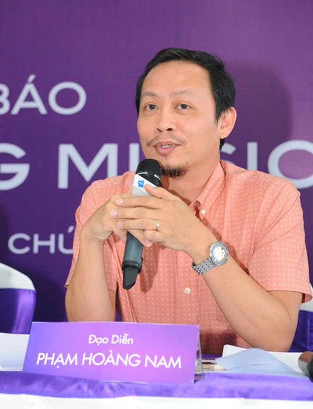 Tham gia hội đồng nghệ thuật còn có đạo diễn Phạm Hoài Nam