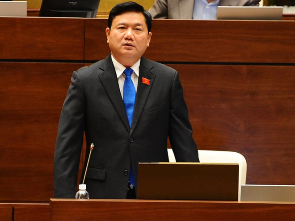 """Bộ trưởng Bộ GTVT Đinh La Thăng: """"Từ khi có tuyến cao tốc Nội Bài - Lào Cai, khách đi tàu đã giảm một nửa"""""""