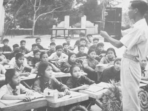 Lớp học thời chiến tranh