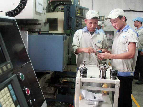 Kinh tế Hà Nội lấy lại đà tăng trưởng với tổng sản phẩm năm 2014 ước tăng 8,8% Ảnh: Phú Khánh