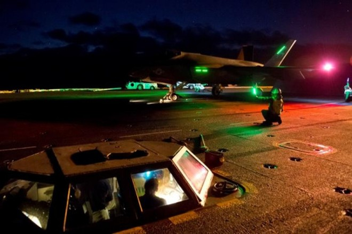 """F-35C """"Lightning"""" II thực hiện thử nghiệm bay đêm trên tàu sân bay """"Nimitz"""""""
