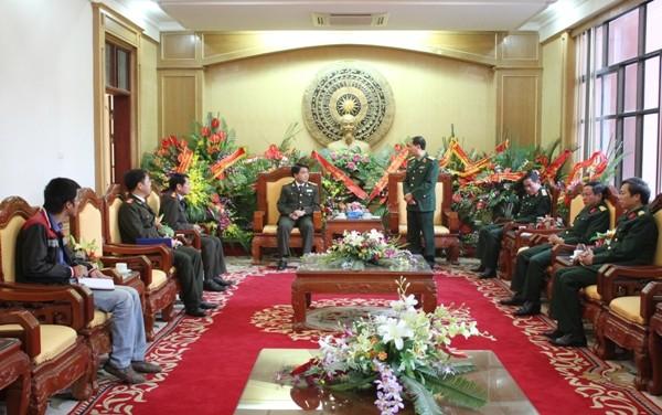 Trung tướng Bùi Văn Tâm-Chính ủy Học viện Quốc phòng trao đổi, cảm ơn Giám đốc CATP Hà Nội và các thành viên trong đoàn (ảnh Ngọc Tuấn)