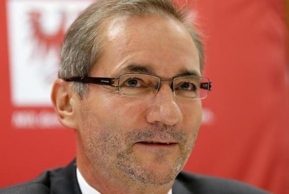 Ông Matthias Platzeck bị chỉ trích vì kêu gọi phương Tây công nhận Nga sáp nhập Crimea
