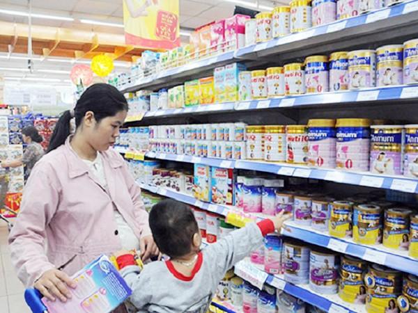Thương quá, các ông bố bà mẹ Việt Nam! ảnh 1