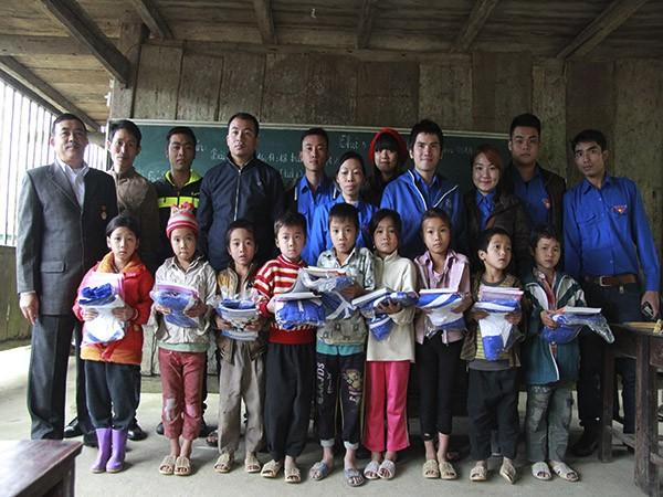 Hơn 1 tấn gạo được trao đến tay học sinh nghèo vùng cao ảnh 1