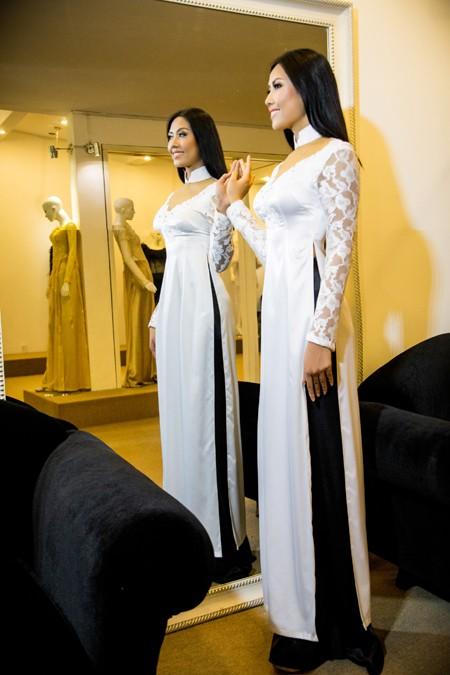 """""""Điểm danh"""" những bộ áo dài Nguyễn Thị Loan mặc dự thi Miss World ảnh 4"""