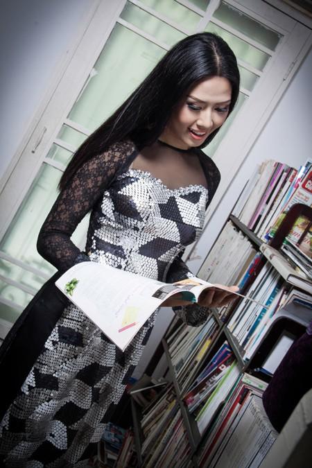 """""""Điểm danh"""" những bộ áo dài Nguyễn Thị Loan mặc dự thi Miss World ảnh 2"""
