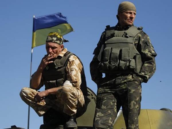 Trong vài ngày qua, Nhà Trắng đã nhận được nhiều áp lực từ Quốc hội về vấn đề cung cấp vũ khí cho Ukraine