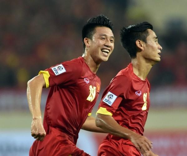Thắng Lào 3-0, Việt Nam rộng cửa vào bán kết ảnh 1
