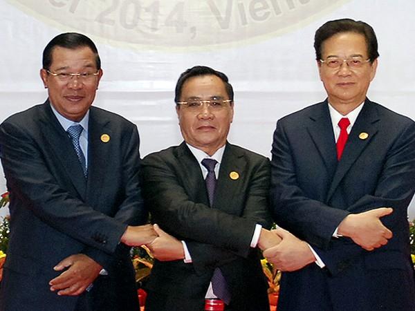 Thủ tướng 3 nước Lào, Campuchia, Việt Nam tại hội nghị