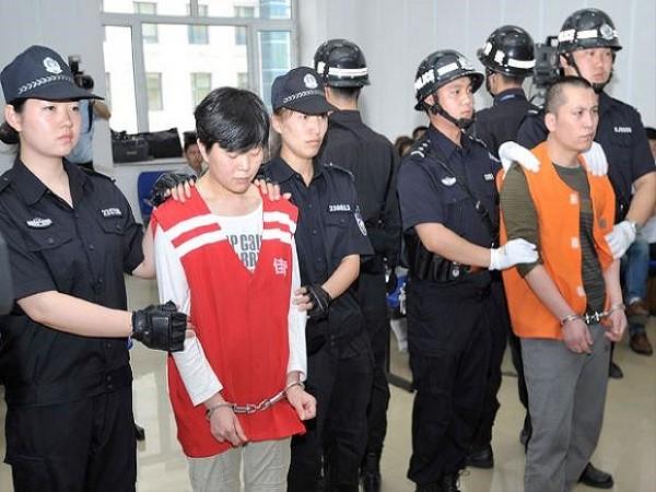 Bai Yunjiang và Tan Beibei tại tòa