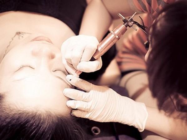 Xăm môi, mắt nếu không đúng kỹ thuật nguy cơ gây nhiều hiểm họa