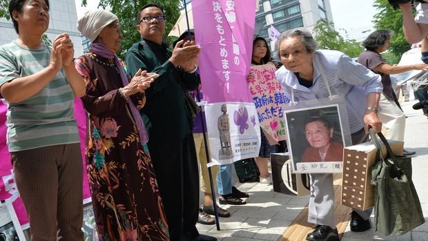 """""""Nô lệ tình dục"""" vẫn là căng thẳng trong mối quan hệ Hàn Quốc- Nhật Bản"""