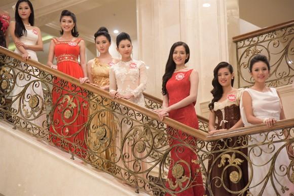 Thí sinh Hoa hậu Việt Nam 2014 lộng lẫy trong trang phục dạ hội ảnh 12