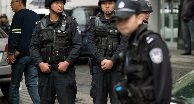 Cảnh sát đã bắn chết 11 tên khủng bố ngay tại hiện trường