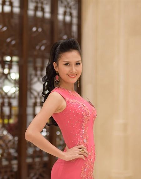 Thí sinh Hoa hậu Việt Nam 2014 lộng lẫy trong trang phục dạ hội ảnh 11