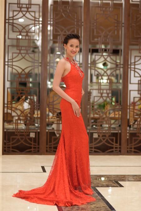 Thí sinh Hoa hậu Việt Nam 2014 lộng lẫy trong trang phục dạ hội ảnh 7