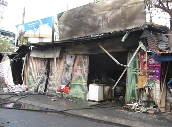 Cửa hàng tạp hóa của gia đình bà Trần Thị Nga đã bị thiêu rụi hoàn toàn