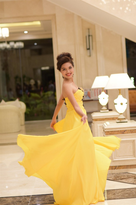 Thí sinh Hoa hậu Việt Nam 2014 lộng lẫy trong trang phục dạ hội ảnh 6