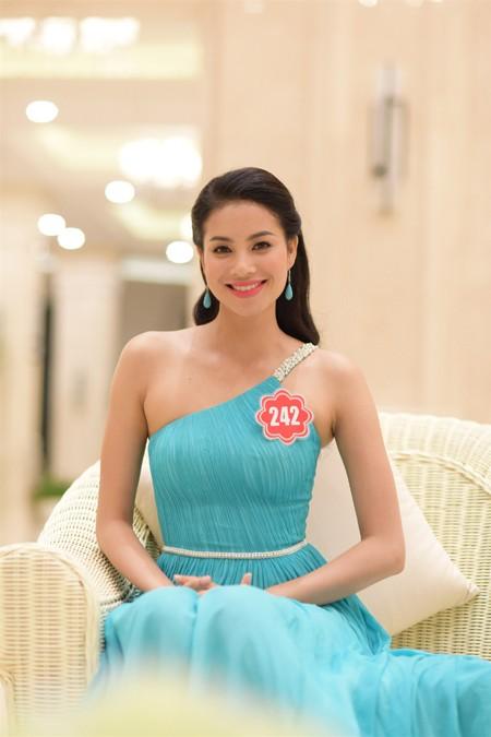Thí sinh Hoa hậu Việt Nam 2014 lộng lẫy trong trang phục dạ hội ảnh 10