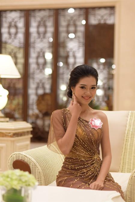 Thí sinh Hoa hậu Việt Nam 2014 lộng lẫy trong trang phục dạ hội ảnh 9