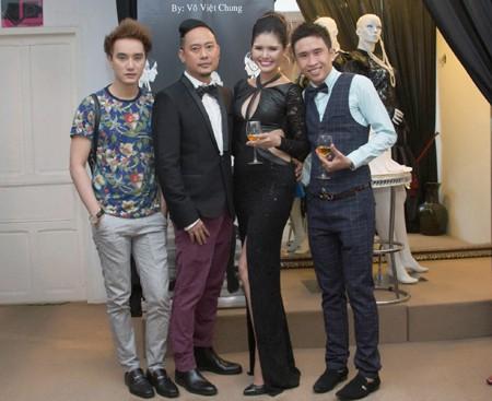 Người mẫu Kim Nguyên gợi cảm dự sinh nhật NTK Võ Việt Chung ảnh 3