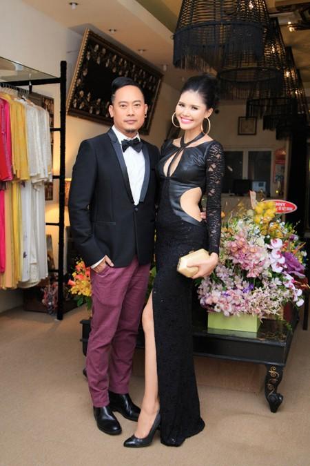 Người mẫu Kim Nguyên gợi cảm dự sinh nhật NTK Võ Việt Chung ảnh 2
